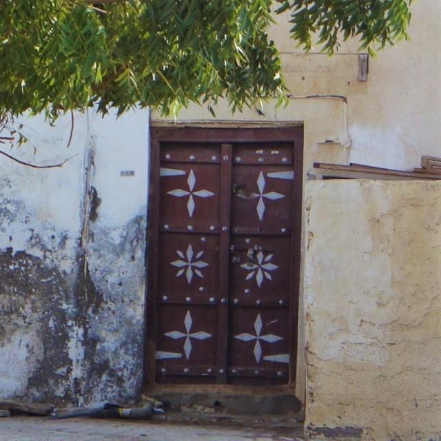 door-blue-and-brown-1